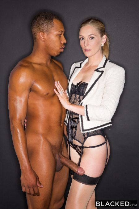 Mona Wales - Hot Wife Enjoys Her Young Neighbor's BBC