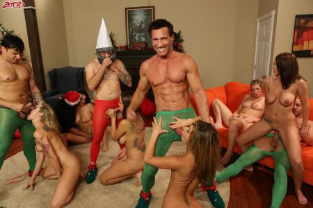A Christmas Orgy - Alison Tyler, Bailey Blue, Brooklyn Chase, Jessica Heart, Sheena Shaw, Yurizan Beltran